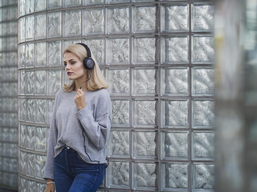 Uzavřená stereo sluchátka Sencor