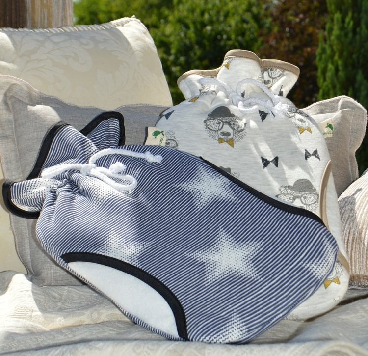 Termofor s fleecovým obalem s mitivem hvězd a rukávníkem
