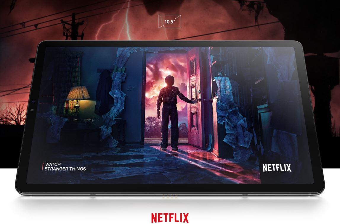 "10,5"" display s upoutávkou na Stranger Things od Netflix"