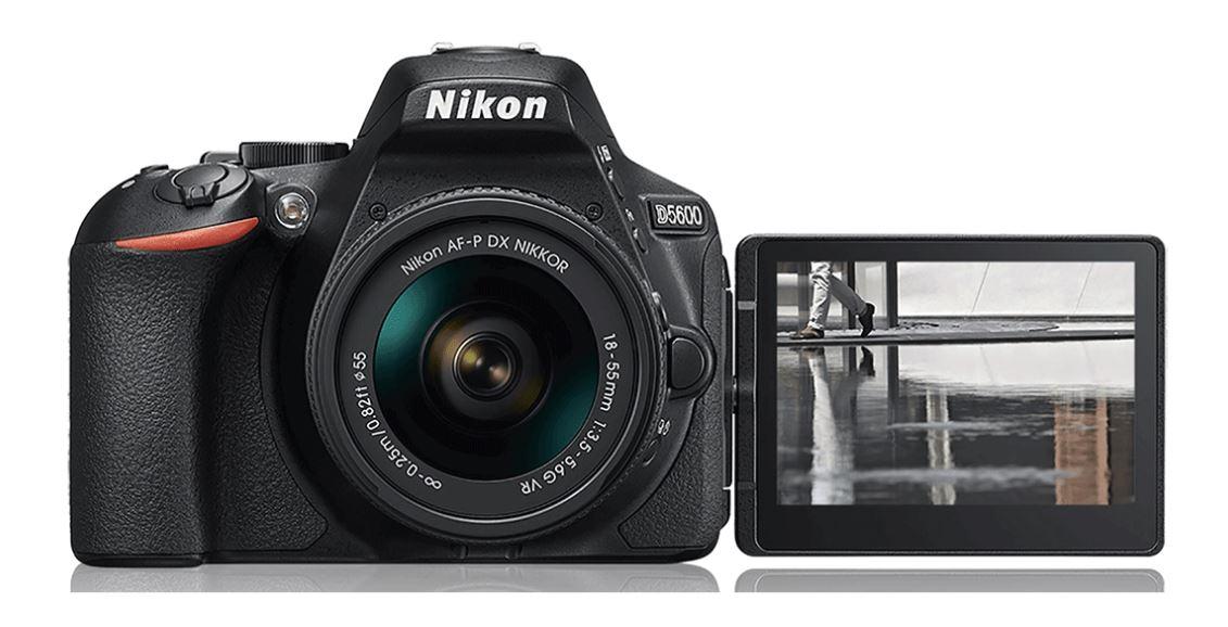 Nikon D5600 - výklopný, otočný a dotykový monitor