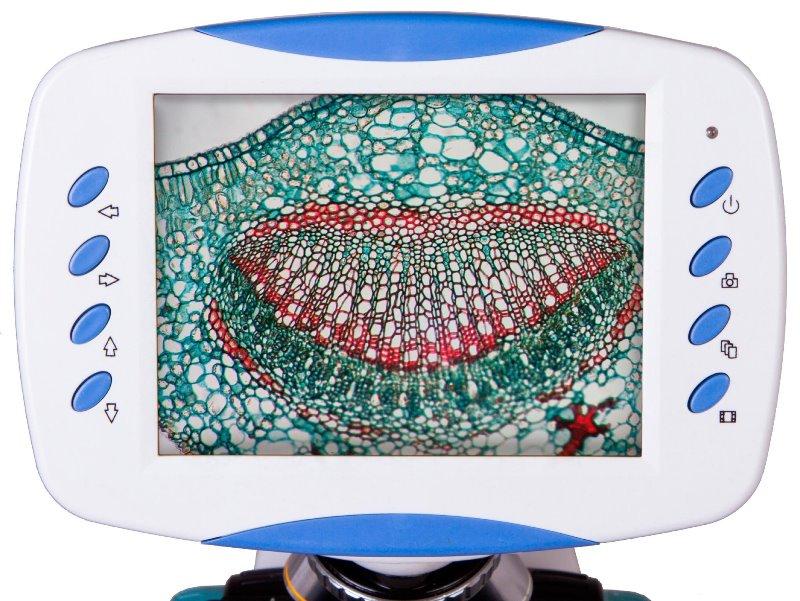 LCD obrazovka a ovládací tlačítka mikroskopu Levenhuk D90L