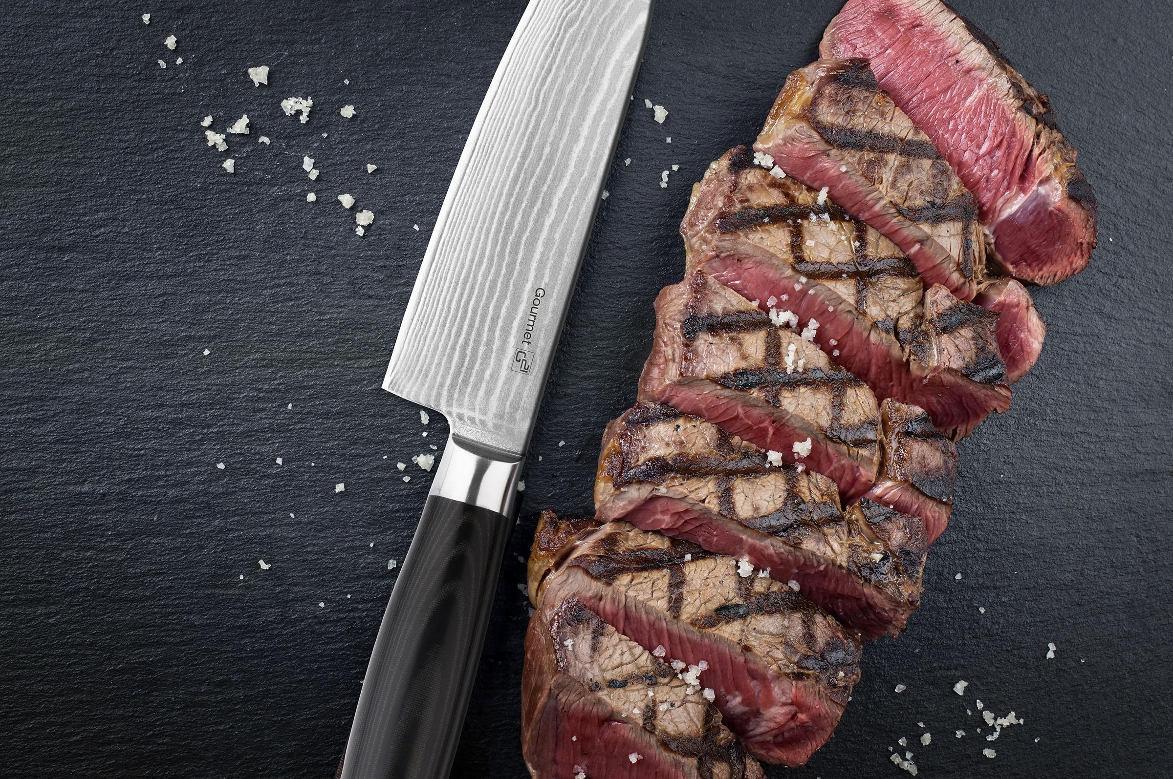 Damašková ocel nože G21 s tvrdostí 60 HRC krájí sama