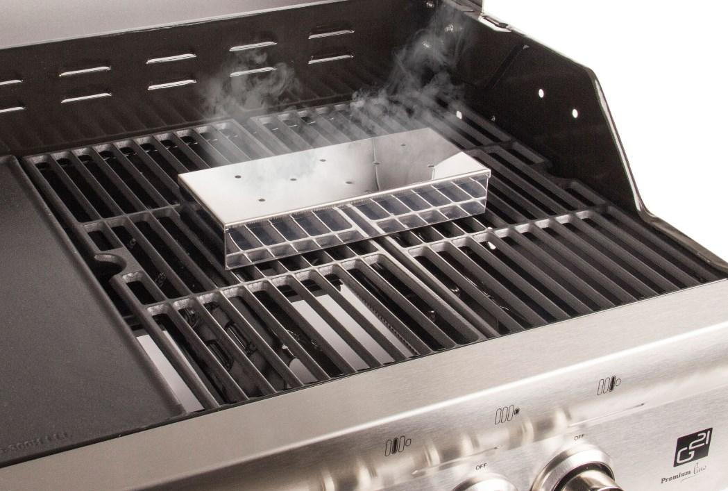 Rozsdamentes acél füstölő doboz, zárható, nyílássokkal rendelkezik