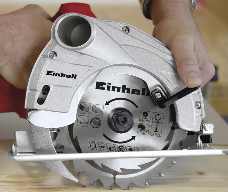 Okružní pila Einhell TC-CS 1200/1 Classic 160mm