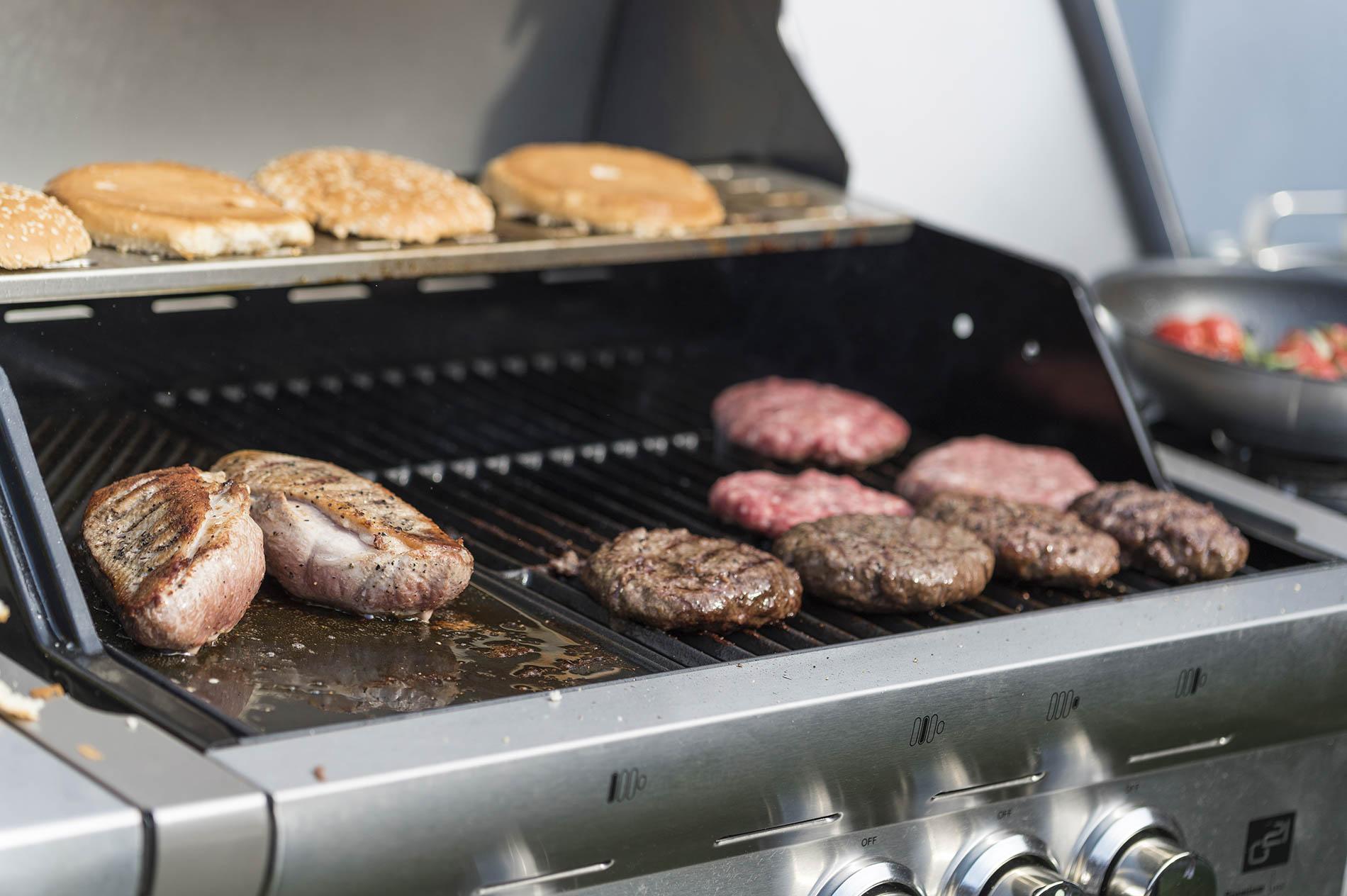Burgery a bulky na grilu G21