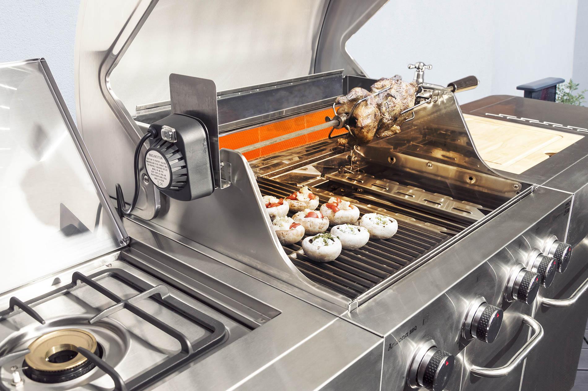 Plnené šampiňóny a mäso naraz? Pre plynový gril G21 Arizona, BBQ Premium Line 6 žiadny problém.