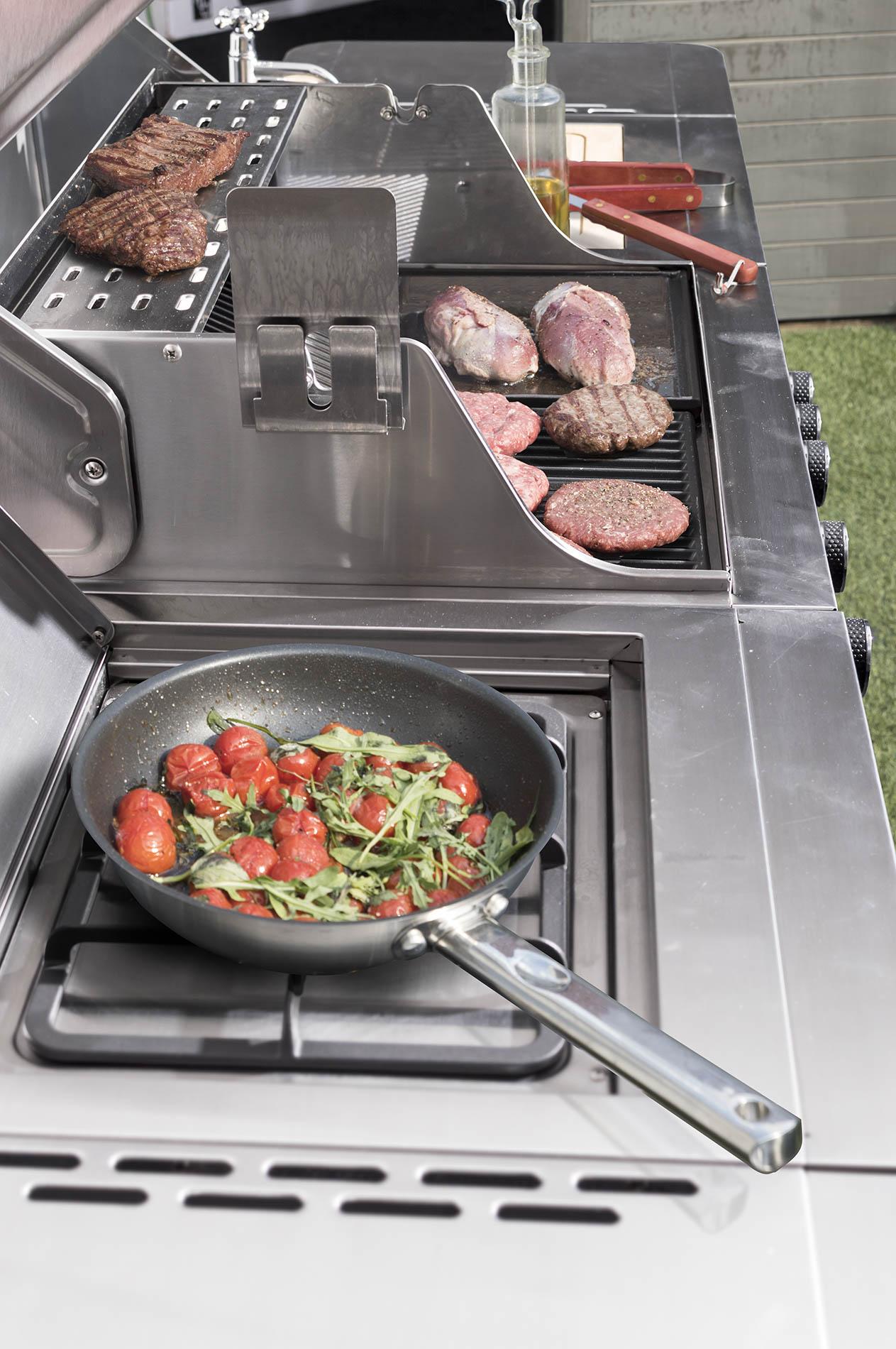 Maso a zelenina na plynovém grilu G21 Arizona, BBQ Premium Line 6