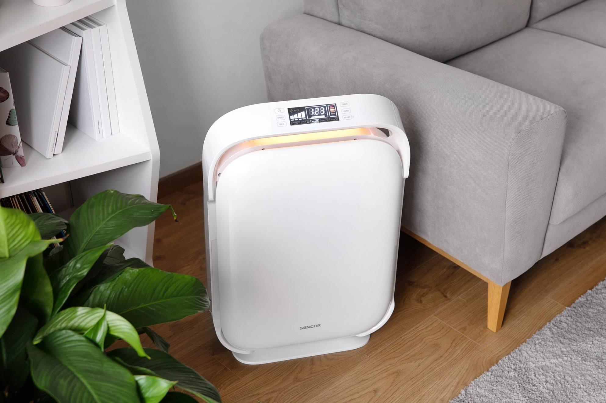 Čistička Sencor SHA 9400WH se hodí pro prostory o velikosti až 50 m2, kdy dokáže odstranit 99,9 % škodlivých látek